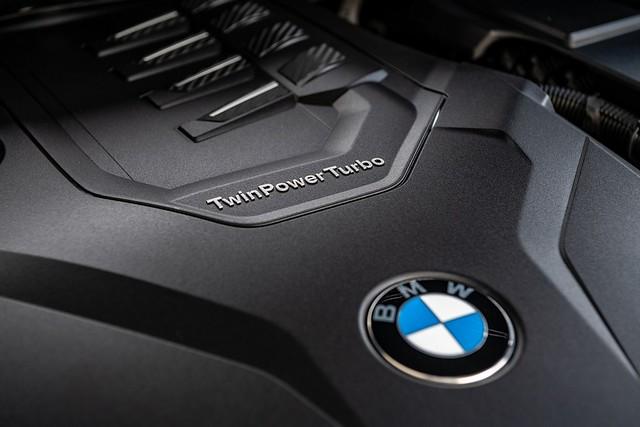 [新聞照片十一] 全新X3 xDrive30i Luxury、X4 xDrive30i M Sport白金領航版搭載BMW TwinPower Turbo直列4汽缸汽油引擎,擁有252匹最大馬力、350牛頓米最大扭力
