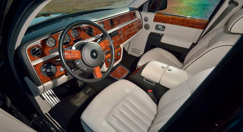 Rolls-Royce-Phantom-4