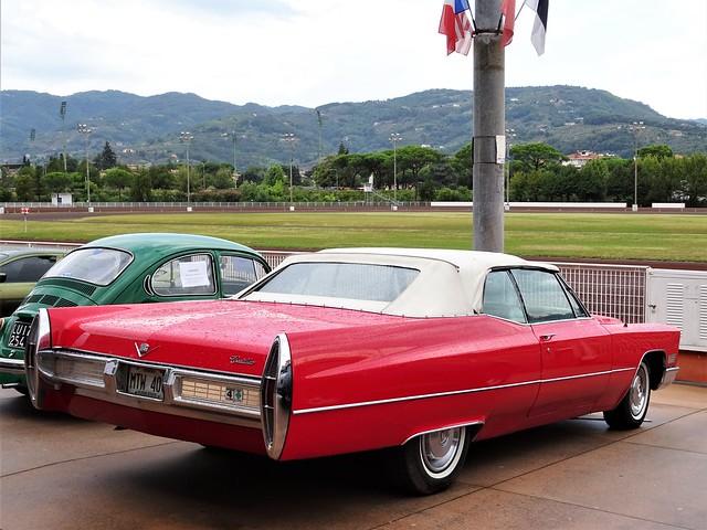 1966 Cadillac Sedan De Ville Convertible