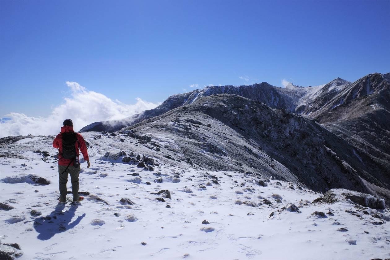 将棊頭山登山 雪の稜線を行く