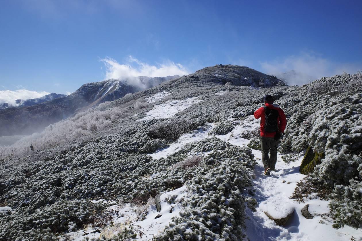 中央アルプス・将棊頭山~木曽駒ヶ岳 雪の稜線登山