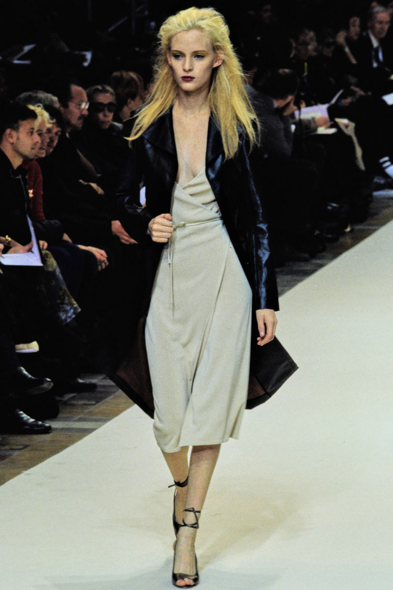 12-cerruti-spring-1997-ready-to-wear-amy-wesson