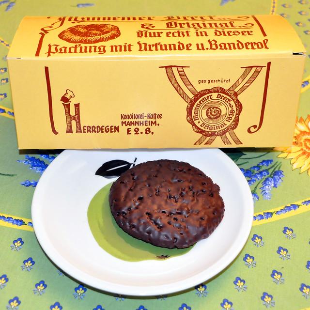 Original Mannemer Dreck, Lebkuchenspezialität, die nicht nur an Weihnachten schmeckt.