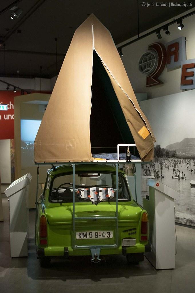Trabant kattoteltalla Kulturbrauerein museossa