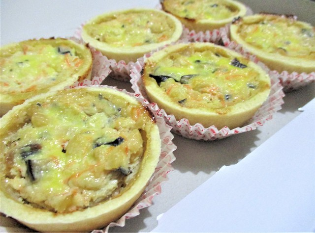 Fong's chicken quiches