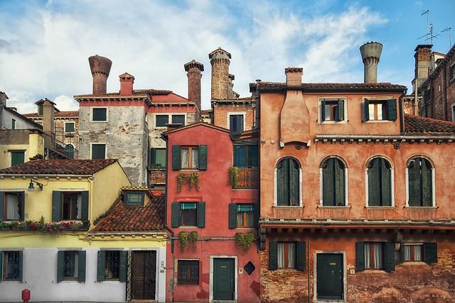 Venetian Living