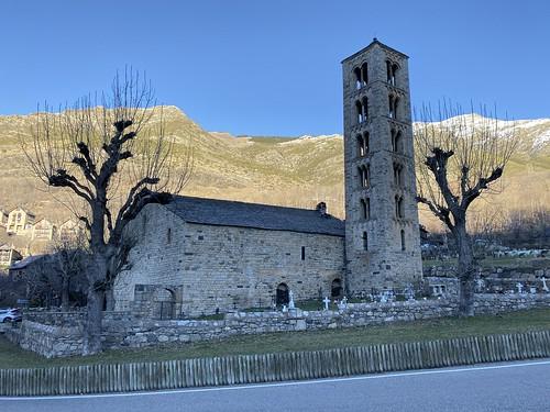 San Clemente de Tahull y su cementerio