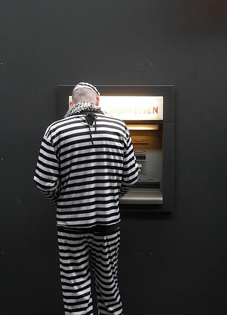 Jedermann braucht Bargeld