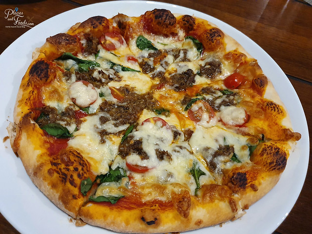 kebun mimpi gita bayu spicy chic pizza