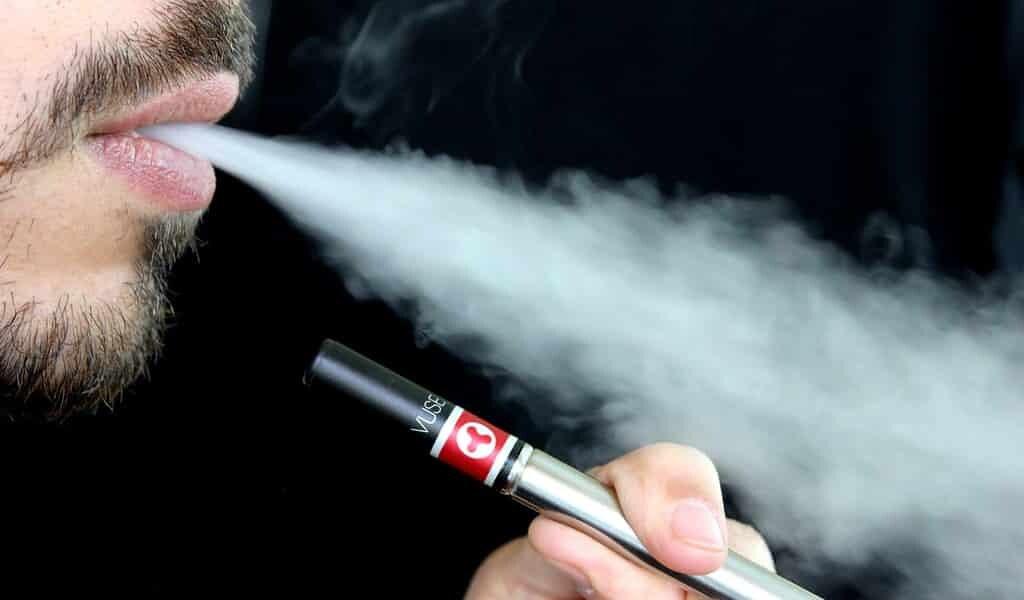 les-e-cigarettes-et-inflammation-des-intestins