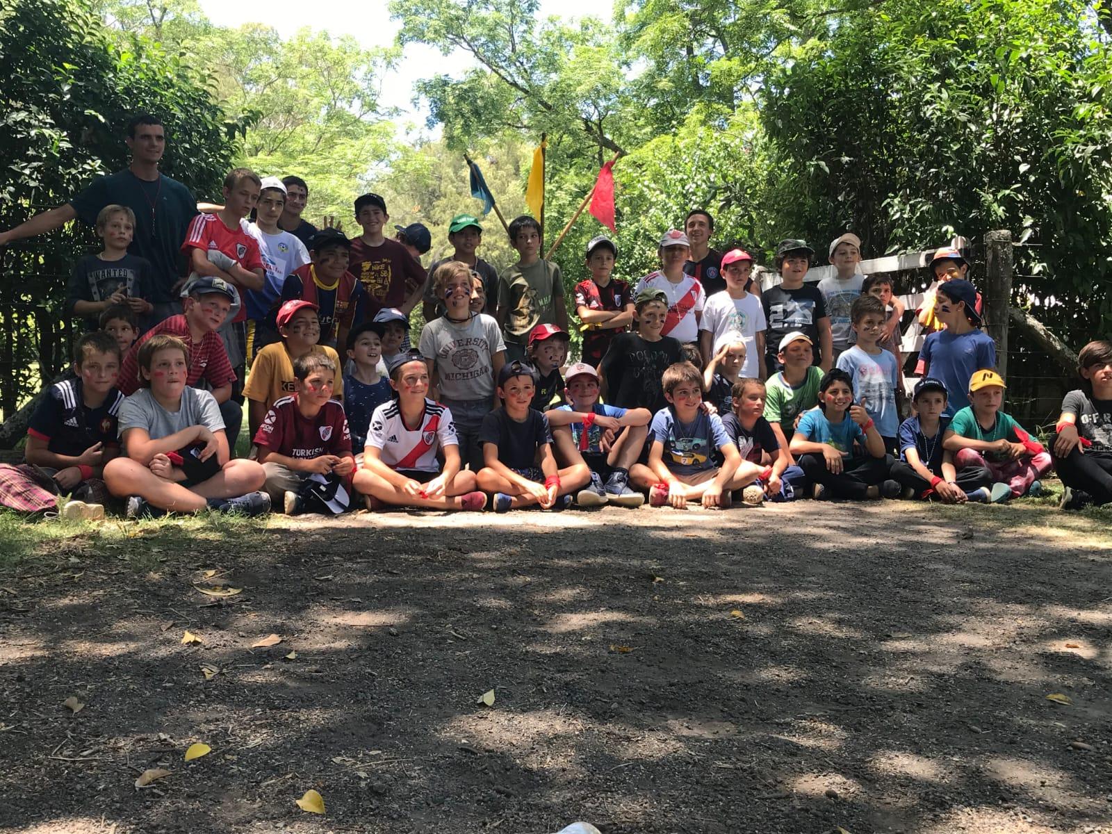 Argentina: Campamento de niños de Mercedes, Buenos Aires