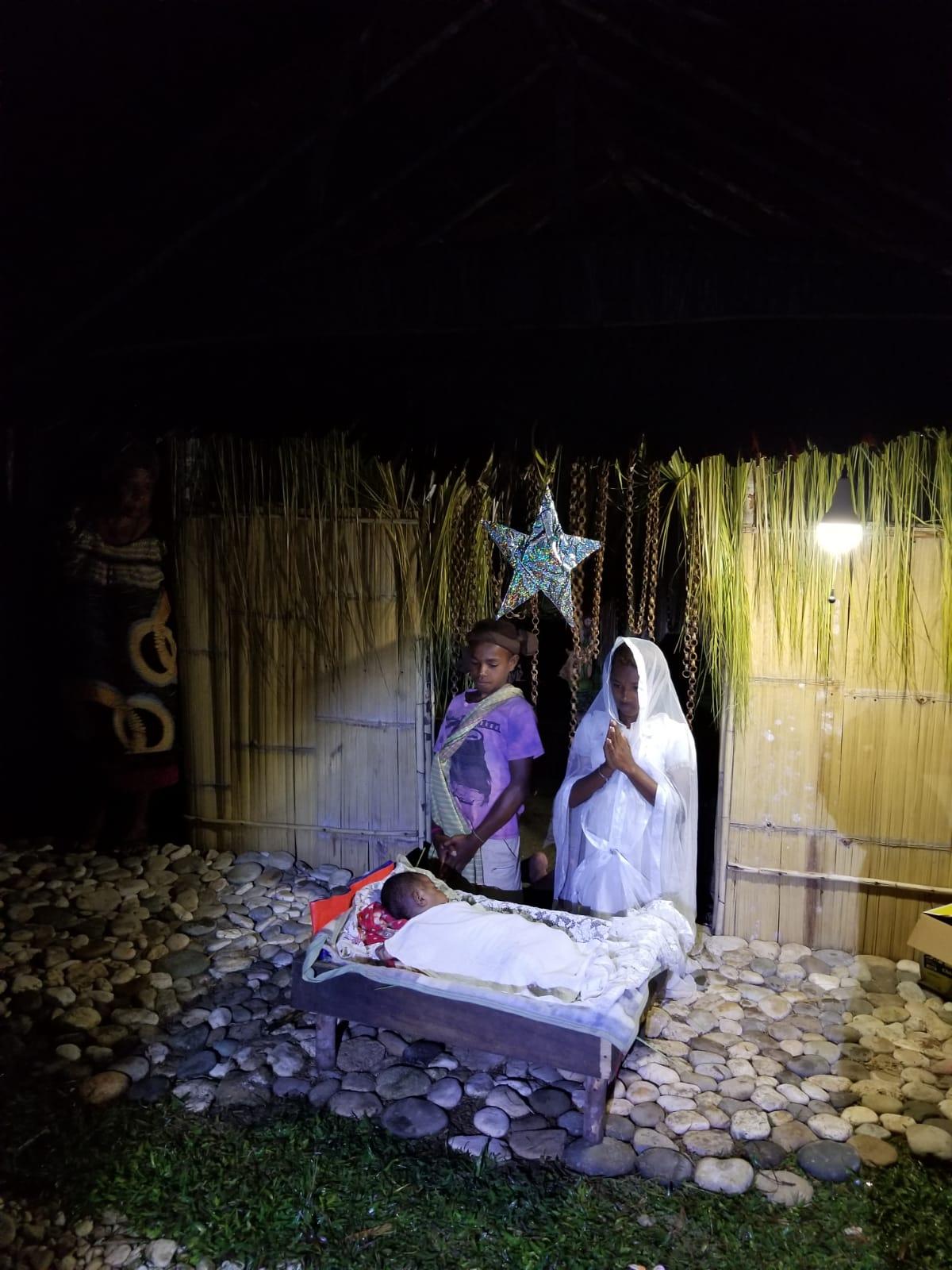Papúa: Pesebre viviente en la misión popular
