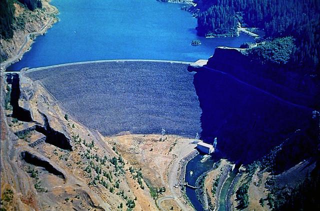 Cougar_Dam_Oregon