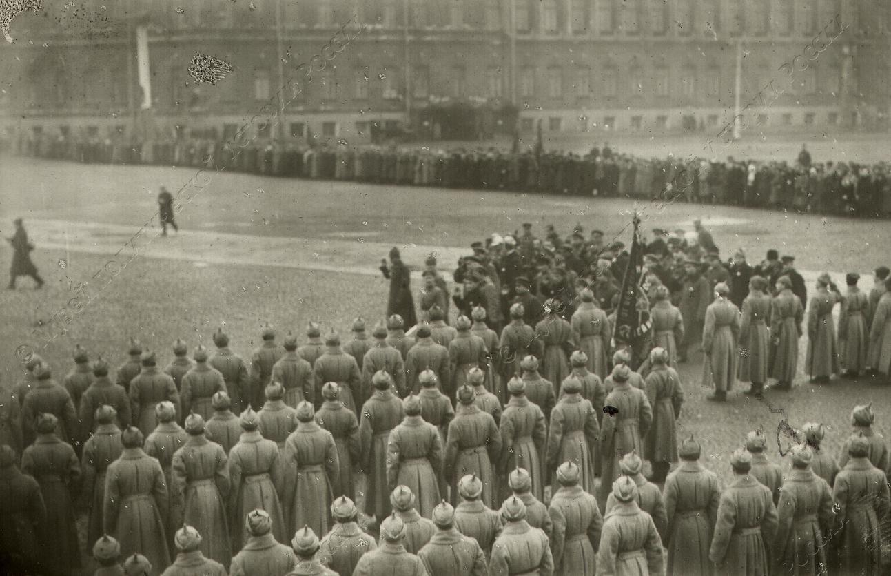1918. Парад войск Красной Армии на площади Урицкого