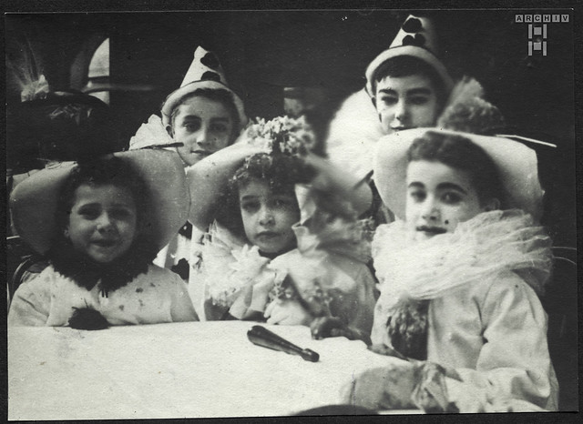 ArchivTappen2AAl2d364 Kinder, Pierrot, Fotoalbum, 1900-1930er