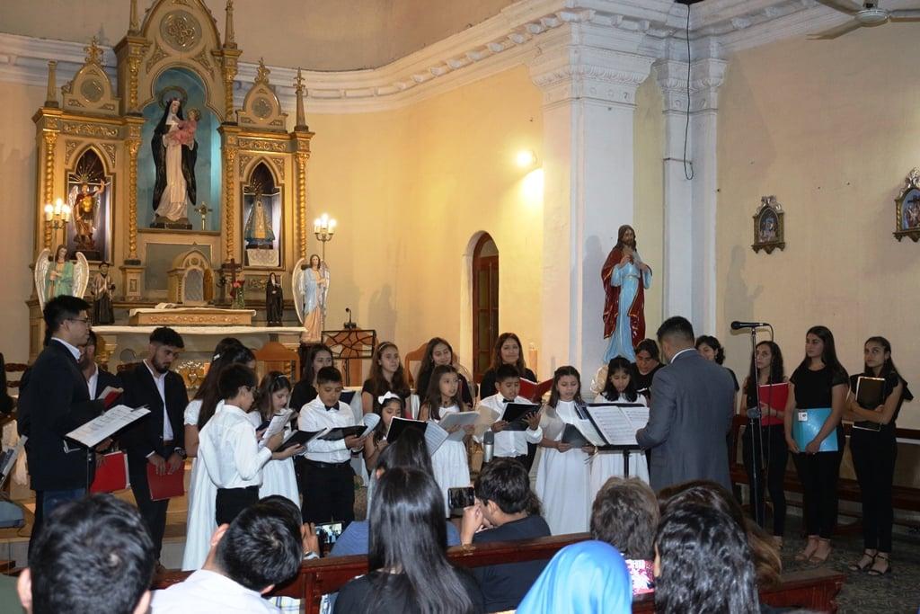 Argentina: Concierto del Coro Santa Cecilia en Suncho Corral