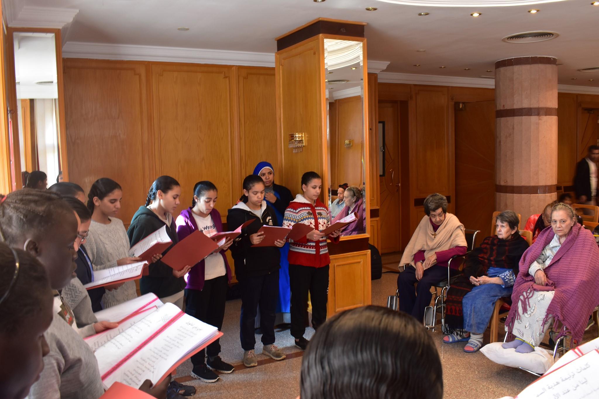 Egipto: Visita de las Aspirantes al Hogar de ancianos de las Hermanas