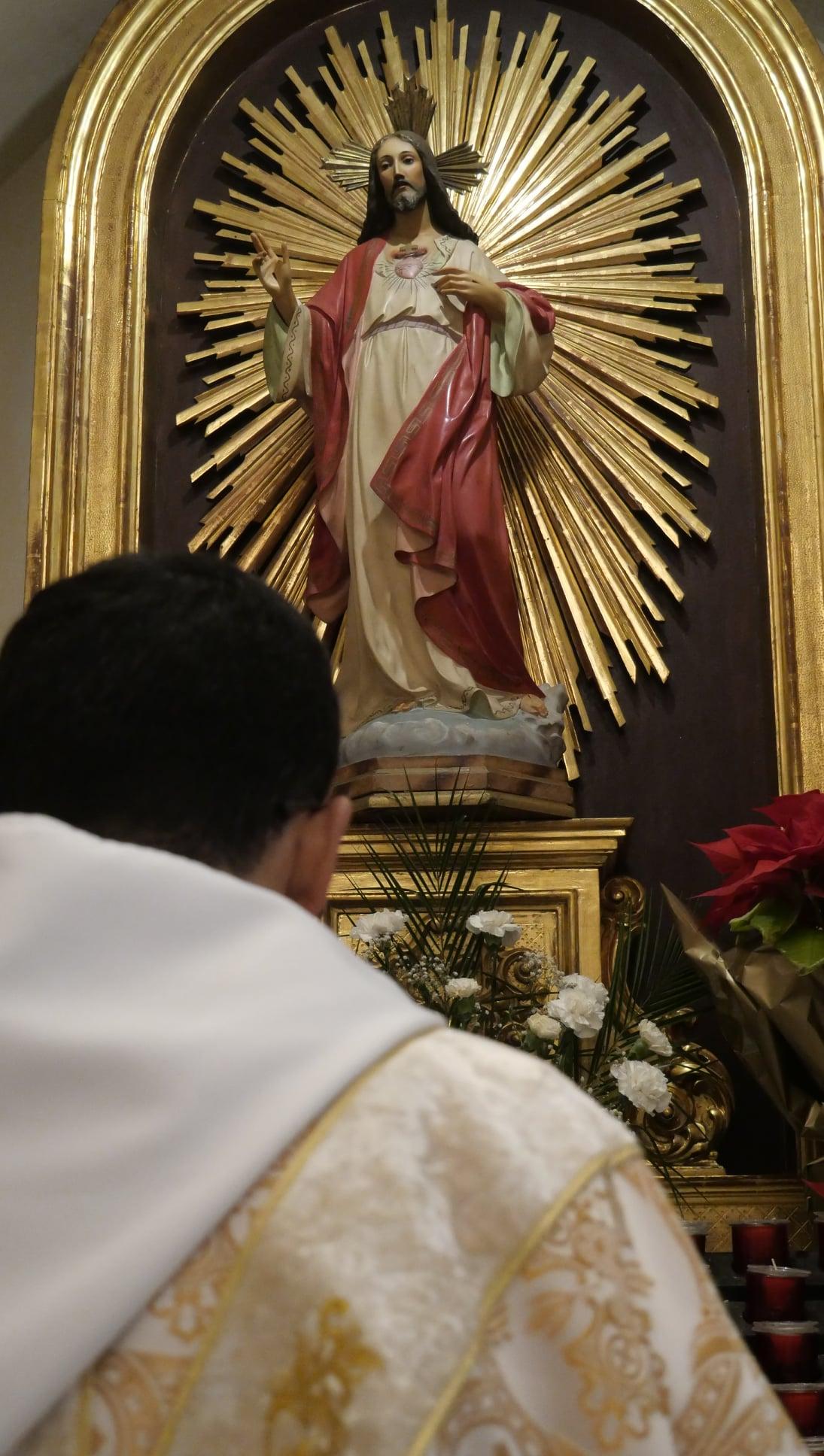 España: Acto de desagravio por los pecados contra el Sagrado Corazón. Monasterio del Pueyo