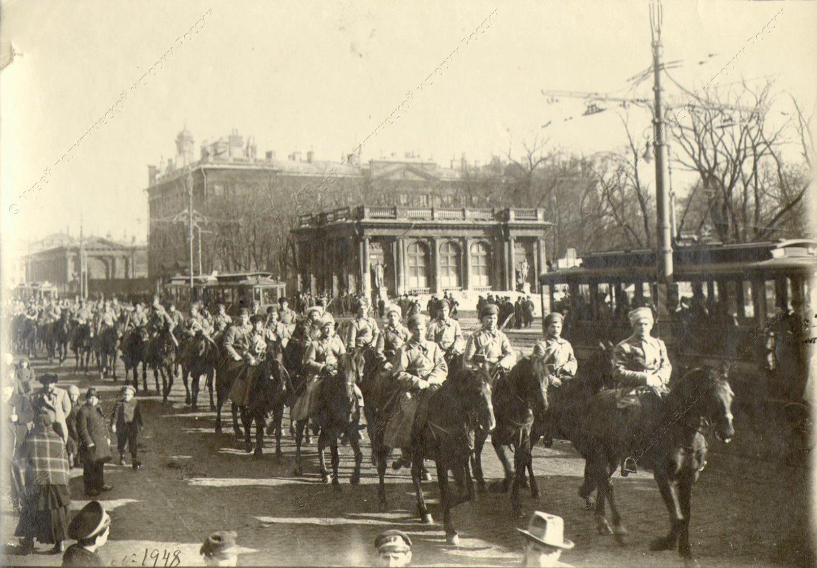 1918. Колонна бойцов I Конного полка Красной Армии. Петроград