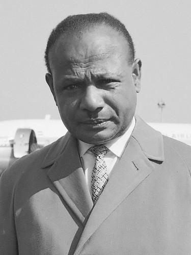 Nicolaas Jouwe uit Amerika (persconferentie op Schiphol)  *6 juni 1962