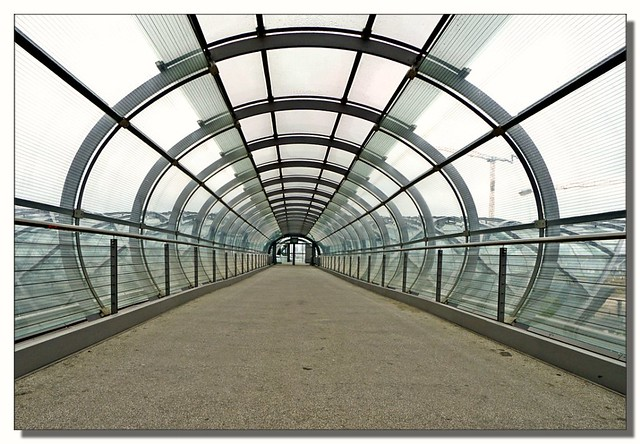 Skywalk - one point perspective