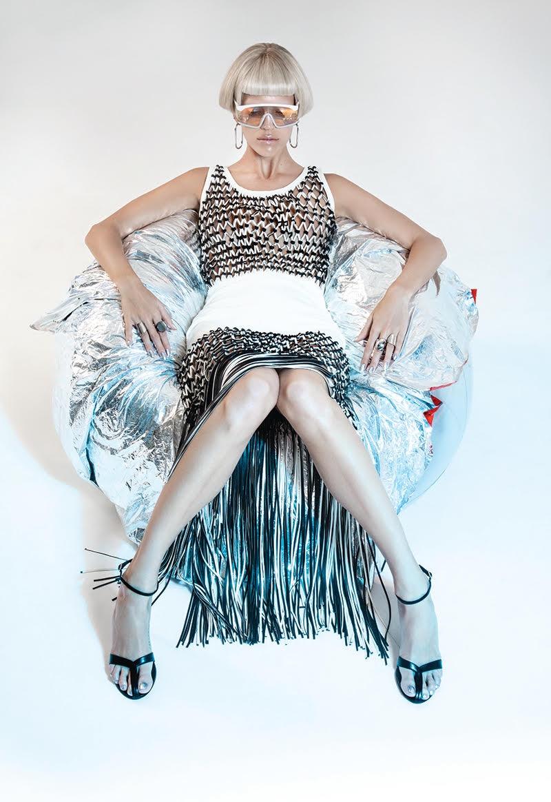 Devon-Windsor-Fashion-Editorial06