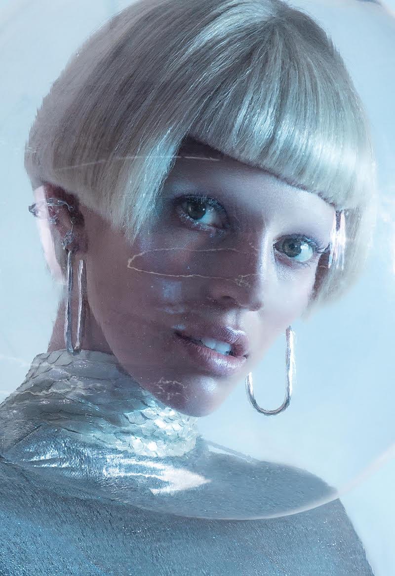 Devon-Windsor-Fashion-Editorial01