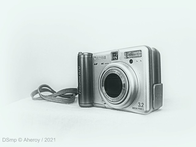B & W ,Canon Powershot A70