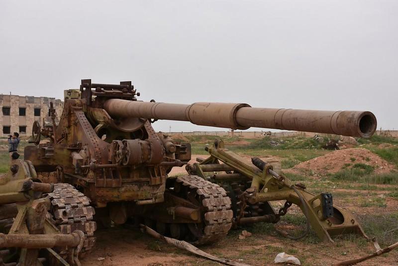 115mm-2A20-q-on-B4-carriage-isis-deir-hafer-2017-twc-1