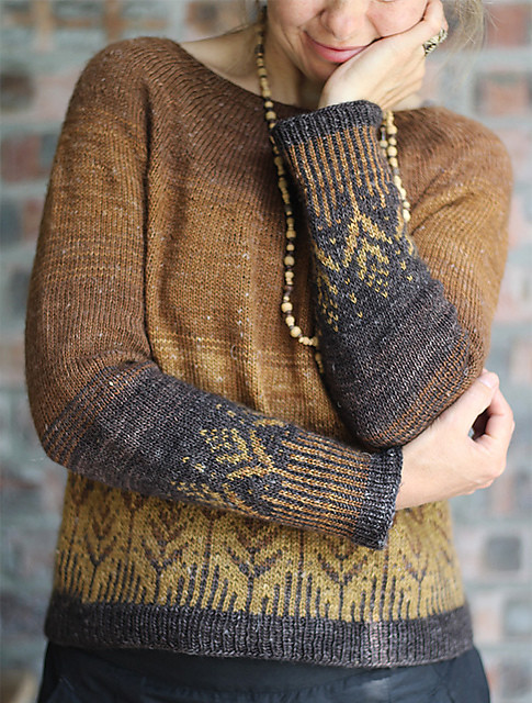 This is the Goldenfern test knit by YamaFibreArt!