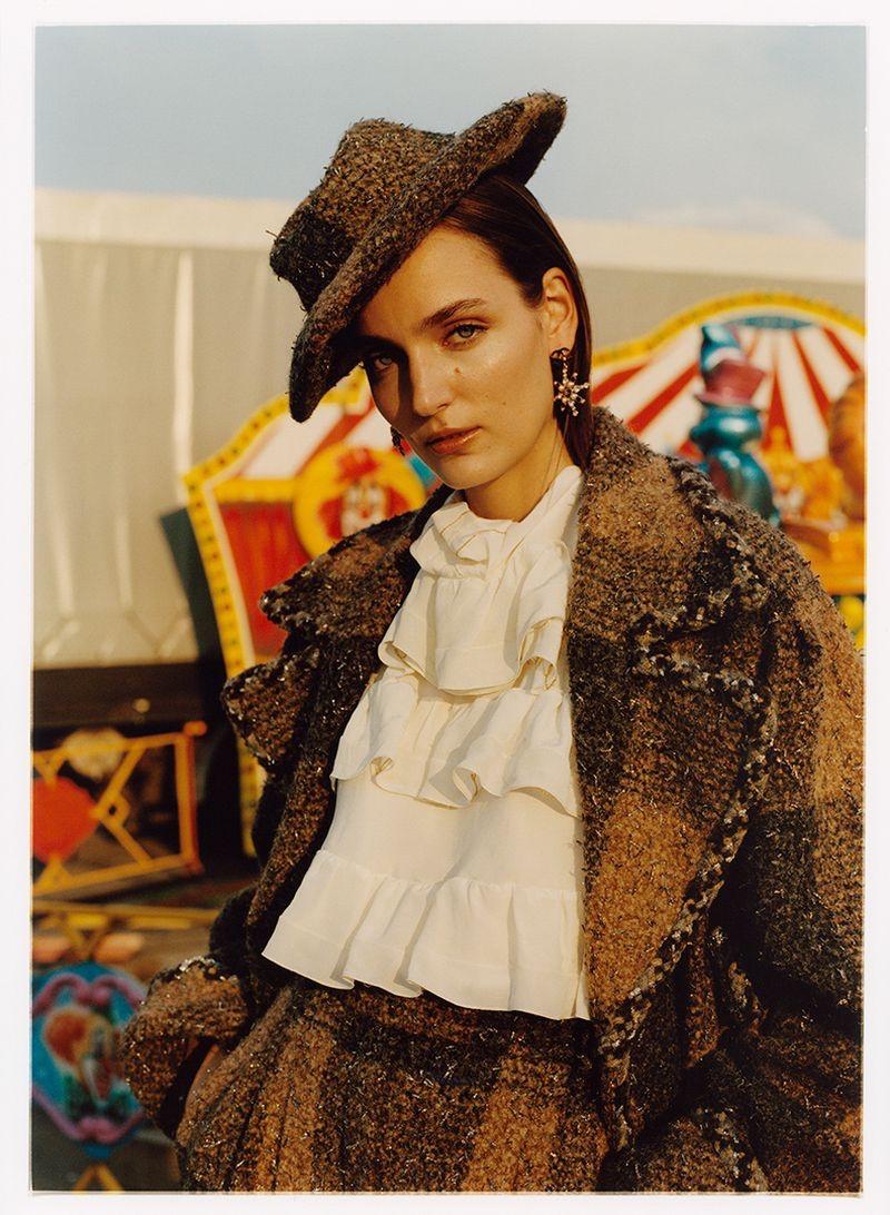 Zuzanna-Bijoch-Harpers-Bazaar-Poland-Cover-Photoshoot07