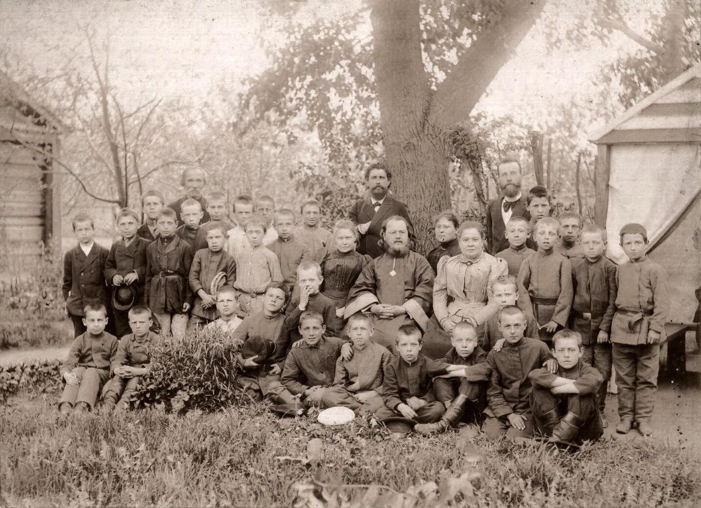 Ученики церковно-приходской школы на Зацепе