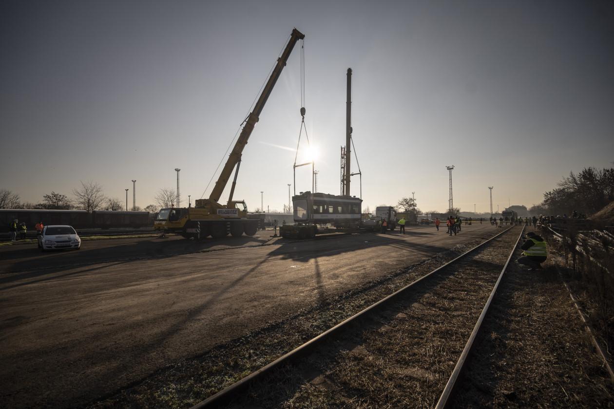 Kurva nagy dolog: magyar síneken az első tram-train