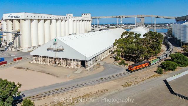 Shunting the Port grain terminal