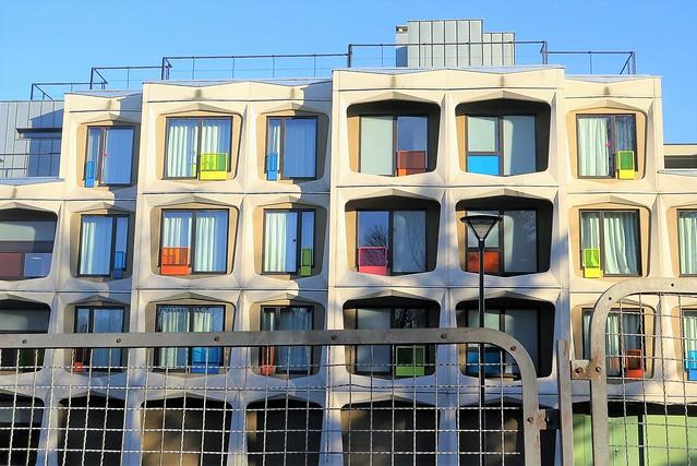 Des couleurs... où et quoi ? L'Internat de la Réussite à Marly-le-Roi (Yvelines)[Explore 10/01/2021]