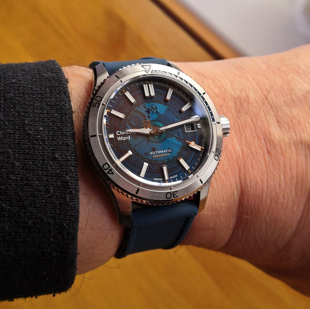 Christopher Ward 'C60 Blue Sapphire'  (Cal Sellita SW200-1)