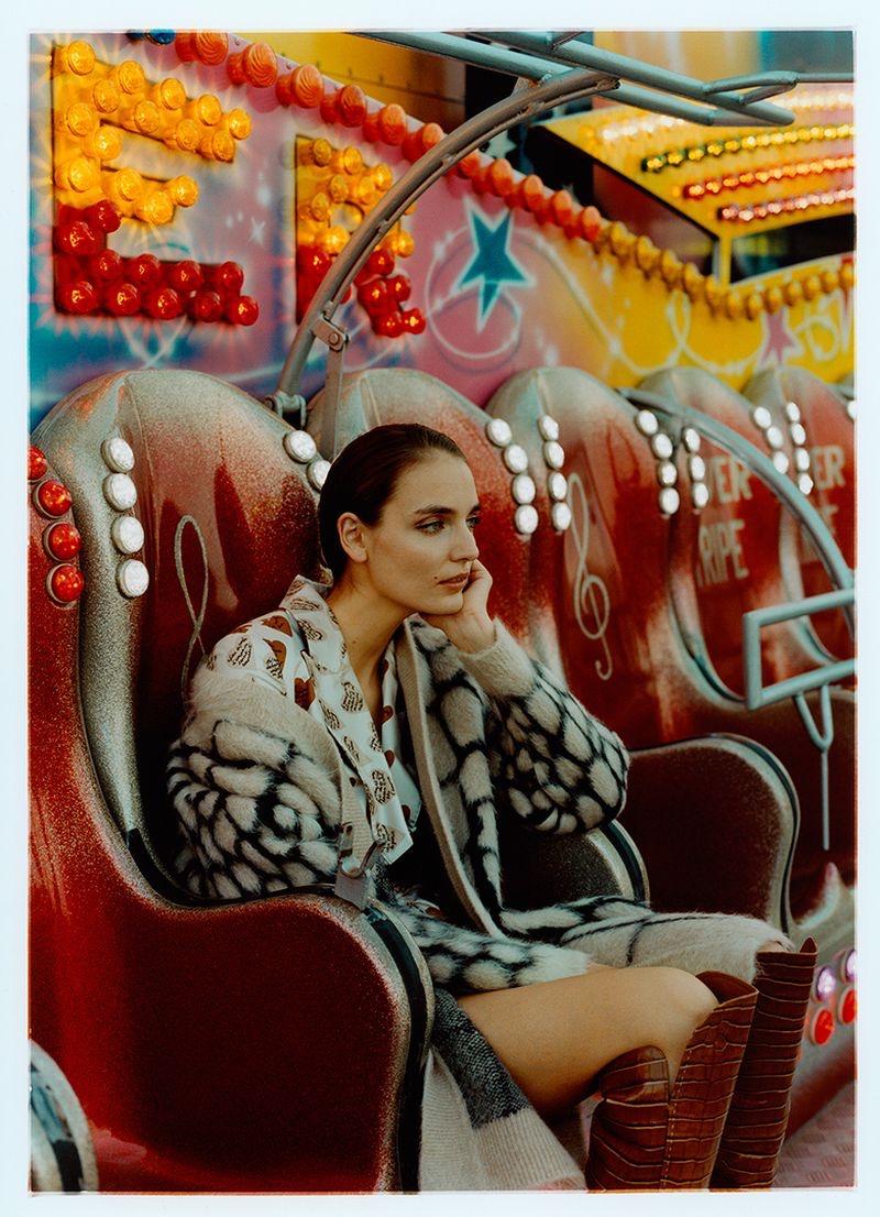 Zuzanna-Bijoch-Harpers-Bazaar-Poland-Cover-Photoshoot18