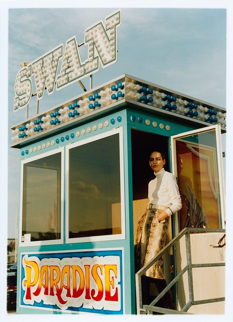Zuzanna-Bijoch-Harpers-Bazaar-Poland-Cover-Photoshoot06