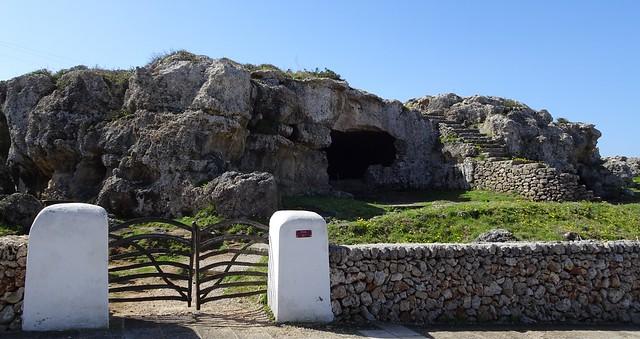 Cala Morell i necròpolis (Barreres Menorquines i paret pedra seca)