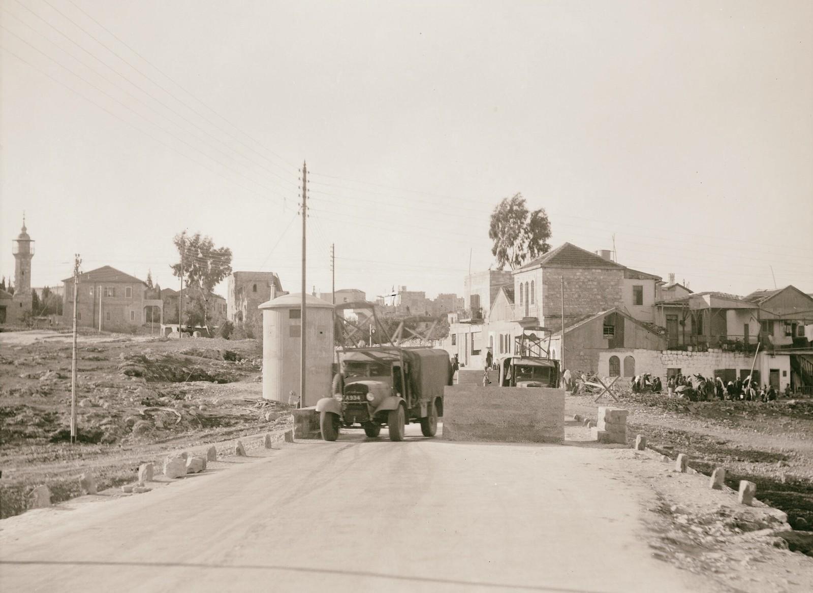 06. 1938. Шхем. Заграждения на шоссе, ведущем в Иерусалим с севера