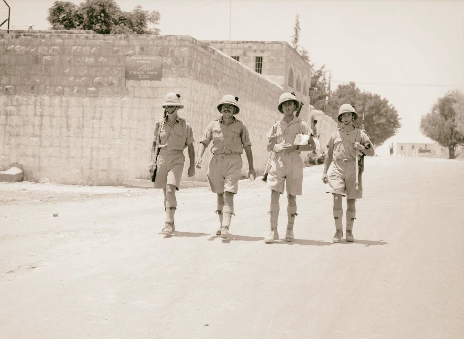 05. 1938. Британские солдаты патрулируют Шхем