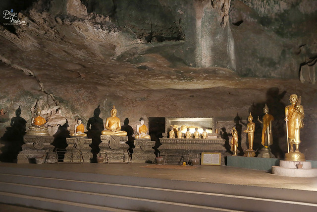 Wat Suwan Khuha phang nga golden buddhas