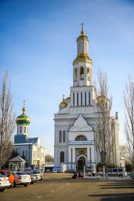 09 января 2021, Митрополит Кирилл совершил Литургию в Покровском соборе Невинномысска