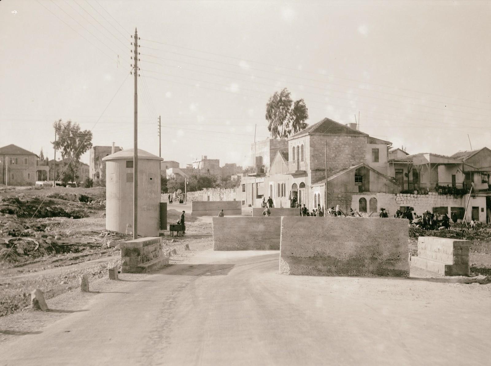10. 1938. Шхем. Заграждения на шоссе, ведущем в Иерусалим с севера