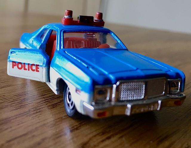 Tomica Dodge police car.