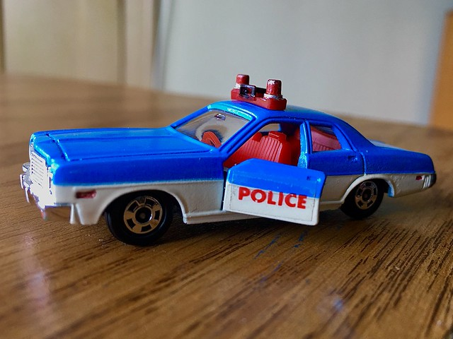 Tomica Dodge police car