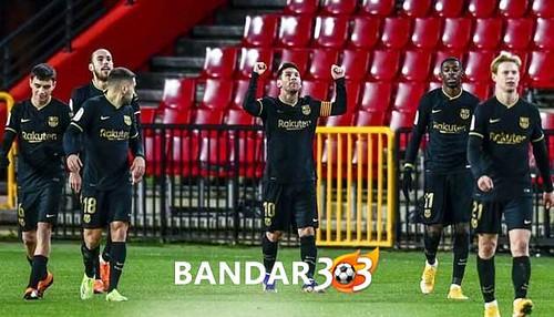 Pimpin-Top-Skor-La-Liga,-Messi-Lewati-Gol-Free-Kick-Cristiano-Ronaldo