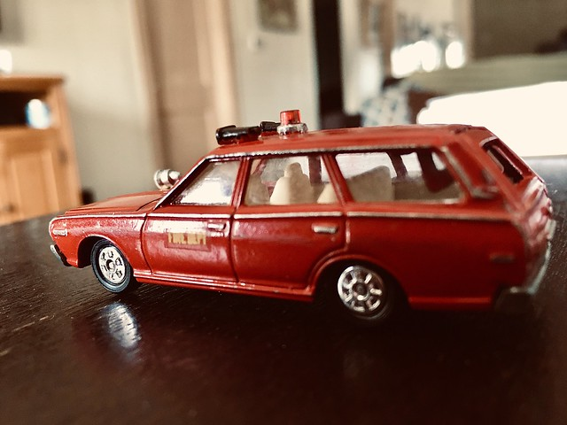 Tomica diecast  1974 Fire Chief station wagon