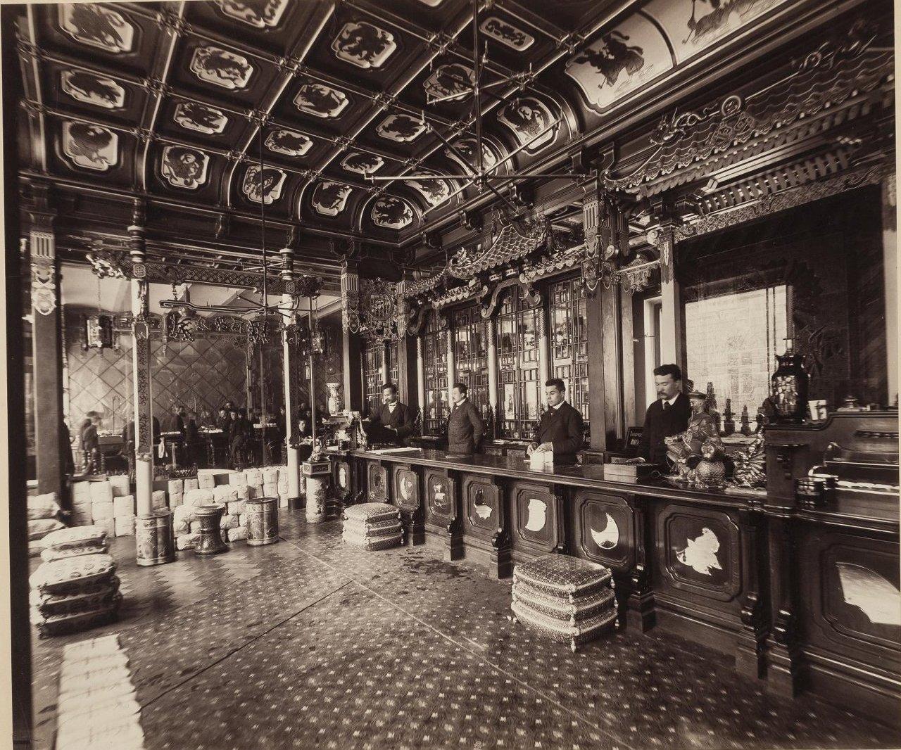 Чайный магазин Перлова. Мясницкая. Торговый зал. 1890-е