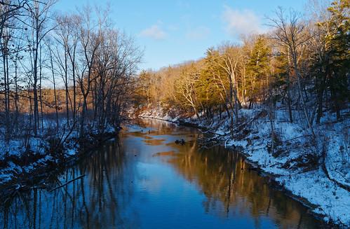 creek normanskill water winter snow cold reflectioninwater reflection goldenhour tawasenthapark nature landscape outdoor albanycounty capitaldistrict newyork guilderland park pentax pentaxart kmount kp hdpentaxda2040mmf284mmlimitedlens